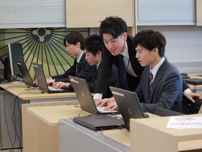 株式会社夢真/【サポート事務】約9割が未経験スタート!充実した研修制度 /h